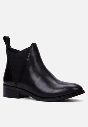 ALDO Scotch Boots Black