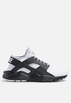 Nike Air Huarache Run Ultra SE Sneakers White / Black