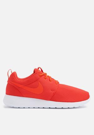 Nike W Roshe One Sneakers Max Orange / Total Crimson