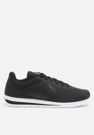 Nike Cortez Ultra Sneakers Black / Cool Grey