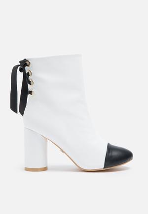 Daisy Street Audrey Toecap Boot White & Black