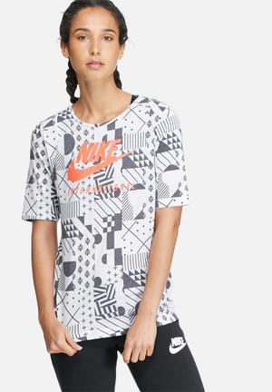 Nike International Signal Tee T-Shirts White, Grey & Orange