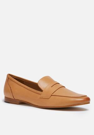 ALDO Cassietta Pumps & Flats Tan