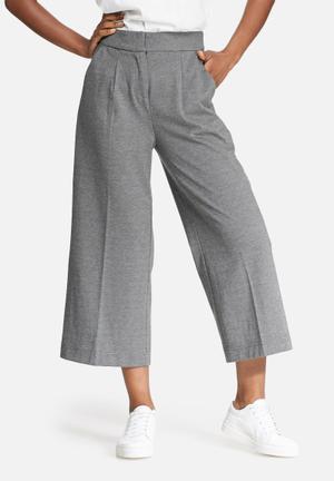 Vero Moda Cassy Culottes Trousers Grey