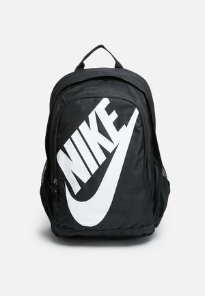 Nike Hayward Futura 2.0 Bags & Wallets Black & White