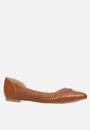 Call It Spring Umireria Pumps & Flats Tan