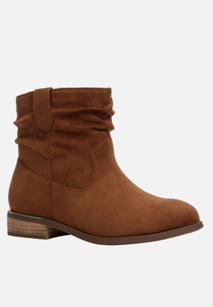 Call It Spring Legeawia Boots Tan