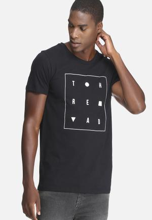 Basicthread Graphic Scoop Tee T-Shirts & Vests Black & White