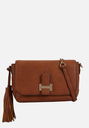 Call It Spring Bauwen Bags & Purses Tan