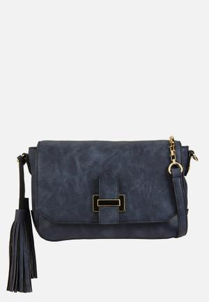 Call It Spring Bauwen Bags & Purses Navy