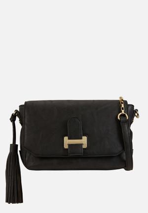 Call It Spring Bauwen Bags & Purses Black