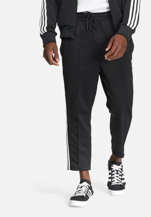 Adidas Originals Superstar Cropped Track Pant Sweatpants & Shorts Balck & White