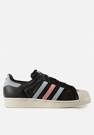 Adidas Originals Wmn's Superstar Sneakers Core Black / Easy Blue S17 / Haze Coral S17