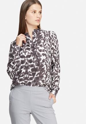Courtney placket shirt