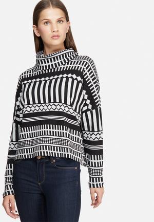Jacqueline De Yong Keaton Turtle Neck Top Knitwear Black & White