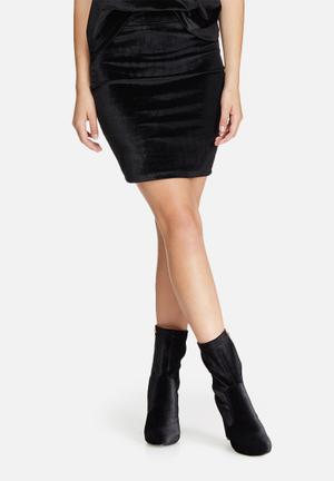 Jacqueline De Yong Sherry Velvet Pencil Skirt Black