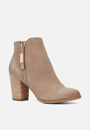 ALDO Mathia Boots Beige