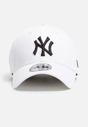 New Era 9Forty NY Yankees Headwear White & Black