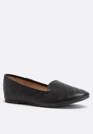 Call It Spring Newport Pumps & Flats Black