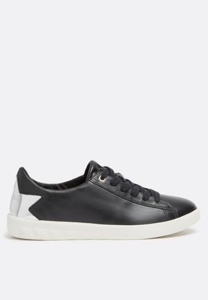 Diesel  S-Olstice Low Sneakers Black / Silver