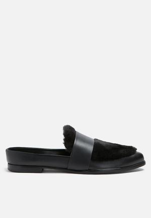 Sol Sana Tuesday Slide Pumps & Flats Black