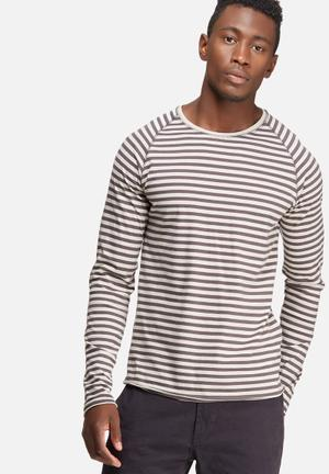 Only & Sons Peter Fitted Tee T-Shirts & Vests Grey