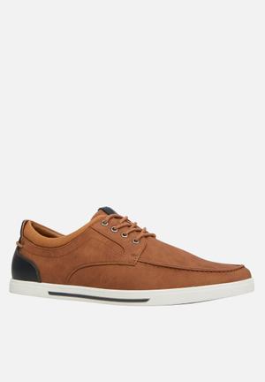 Call It Spring Fabian Sneakers Tan