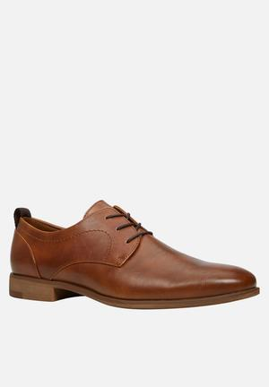 Call It Spring Jereaven Formal Shoes Tan