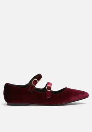 Dailyfriday Buckled Flat Burgundy