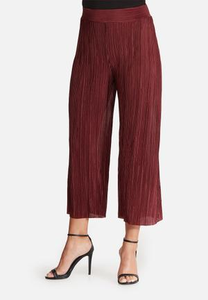 Dailyfriday Plisse Culottes Trousers Burgundy