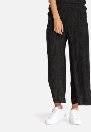 Dailyfriday Plisse Culottes Trousers Black