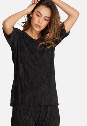 Dailyfriday Plisse Dip Back Top Blouses Black