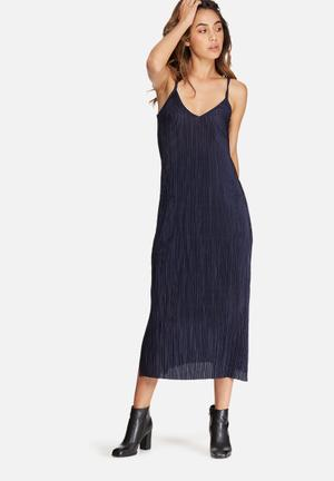 Dailyfriday Plissé V-neck Midi Slip Dress Formal Navy