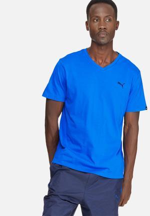 PUMA ESS V-Neck Tee T-Shirts Blue