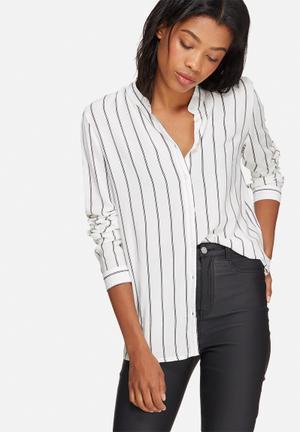 Jacqueline De Yong Sona Shirt White & Black