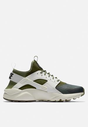 Nike Air Huarache Run Ultra SE Sneakers Palm Green / Sail / Lagoon Green