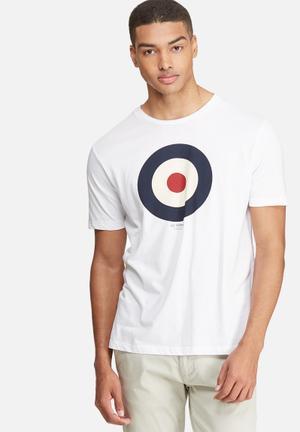 Ben Sherman Target Tee T-Shirts & Vests White, Navy & Red