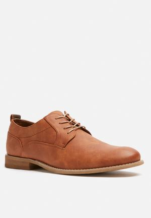 Call It Spring Cralelle Formal Shoes Tan