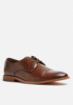 Call It Spring Aeriwet Formal Shoes Brown