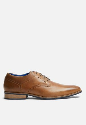 Watson Shoes Toby Leather Derby Formal Shoes Tan