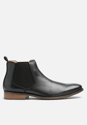 Watson Shoes Erich Leather Chelsea Boots Black