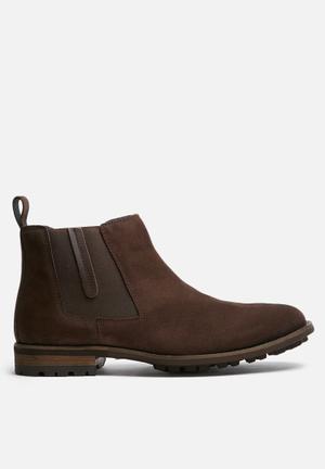 Watson Shoes Von Suede Chelsea Boots Brown