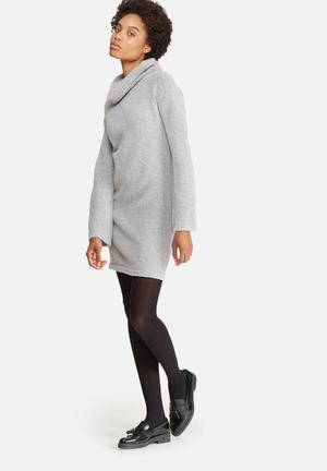 Fluted sleeve knitwear dress