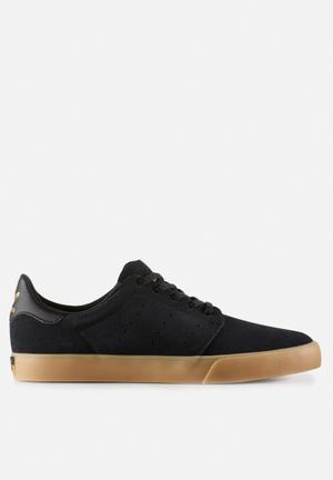 Adidas Originals Seeley Court Sneakers Core Black / Gum 3 / Gold Met