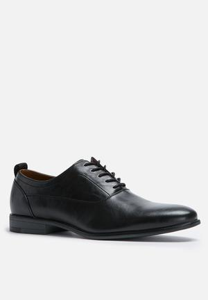 Call It Spring Casiglia Formal Shoes Black