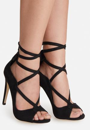 Call It Spring Nydyn Heels Black