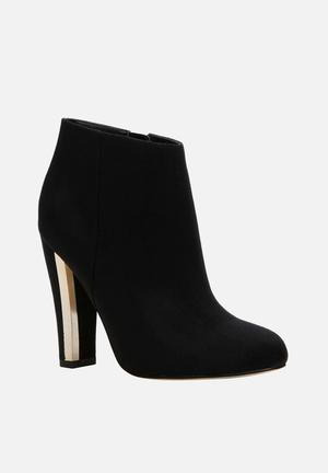 Call It Spring Lovelarw Boots Black
