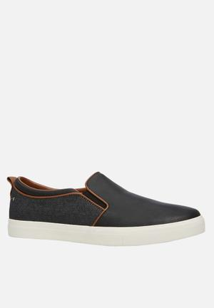 Call It Spring Werralla Slip-ons And Loafers Black