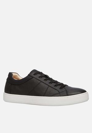 Call It Spring Brenacia Sneakers Black
