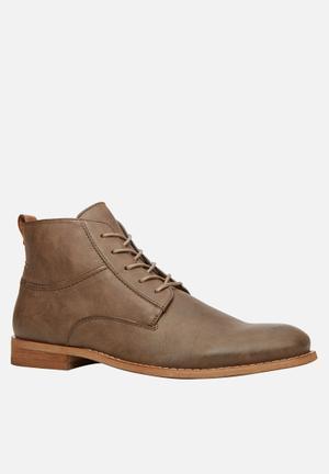 Call It Spring Mezzoius Boots Brown